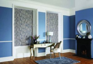 blue room with blinds
