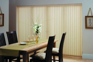 Gold blinds in dining room