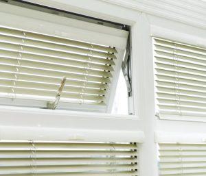 Aluminium windows with blinds