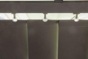 rail fabric light gap crop