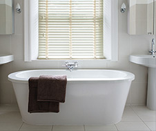 bath with blinds